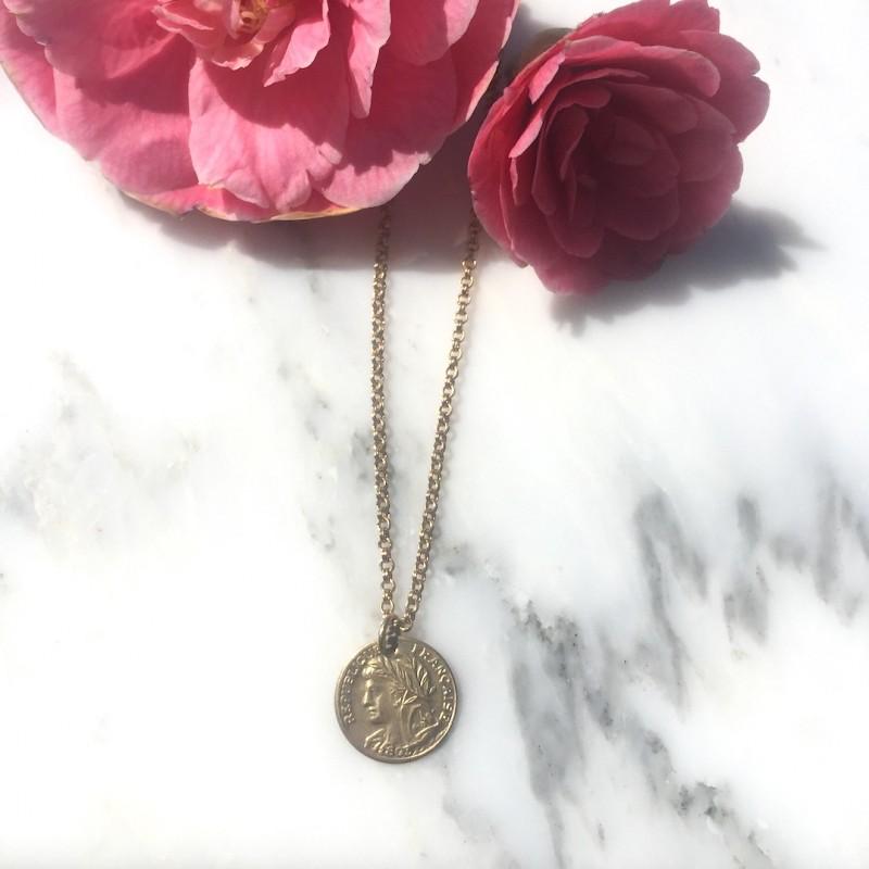 AMULETTE dorées / 5 médailles